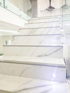 Interior Door Styles, Modern Home Interior Design, Interior Design Boards, Modern House Design, Stairs Tiles Design, Home Stairs Design, Modern Staircase Railing, Stair Railing Design, Küchen Design