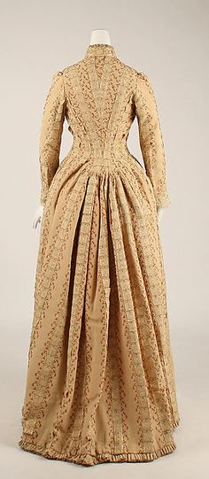Tea gown, House of Worth, Date: ca. 1880, Culture: French, Medium: silk, back view