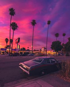 For »Colorfornia! 😍 📸 »via @ dest0n 😯 ⠀ - @ aesthetic_things.exe aesthetic» aesthetic_things.exe 🥳 mídia fotos vídeos Badass Aesthetic, City Aesthetic, Purple Aesthetic, Retro Aesthetic, Aesthetic Photo, Aesthetic Pictures, Aesthetic Backgrounds, Aesthetic Iphone Wallpaper, Aesthetic Wallpapers