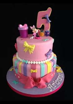 Minnie's Bow-tique cake from Patty's cakes