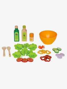 Encourage healthy food choices through pretend play! The Playfully Delicious Garden Salad by Hape will allow your child to mix toss and serve a colorful garden salad. Create the gourmet salad by tos. Gourmet Salad, Healthy Gourmet, Healthy Cooking, Wooden Play Food, Wooden Toys, Set Sushi, Mozzarella Salat, Hape Toys, Play Food Set