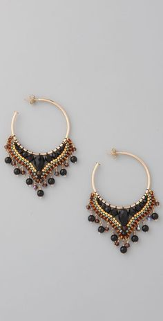 Partial beading on hoops Seed Bead Jewelry, Seed Bead Earrings, Wire Jewelry, Beaded Earrings, Beaded Jewelry, Handmade Jewelry, Jewellery, Seed Beads, Ideas Joyería