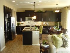 Google Image Result for http://www.coloradonewhomespecialists.com/wp-content/uploads/2011/01/Cobblestone-Ranch-model-home-kitchen-by-RichmondWEB.jpg
