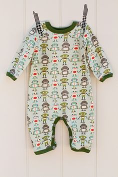 make it perfect: .Monkeys and robots for baby boy.