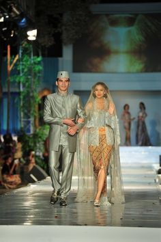 Anne Avantie Kebaya ~ so in love with this kebaya..