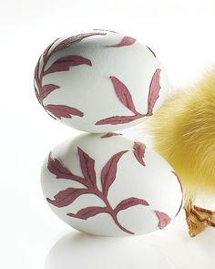 Decopage Easter Eggs - http://www.sweetpaulmag.com/crafts/decopage-easter-eggs #sweetpaul