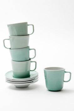 Cups, Facebook, Tableware, Mercury, Mugs, Dinnerware, Tablewares, Dishes, Place Settings