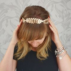 Venusvi Fashion Greek Gold Leaf Headband for Womenchic Hair Accessories for Party and Evening ** Check out this great product. (This is an affiliate link) Wholesale Hair Accessories, Organizing Hair Accessories, Hair Accessories For Women, Gold Leaf Crown, Gold Leaf Headband, Feuille D'or, Metal Headbands, Headband Styles, Wedding Headband