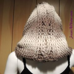 """""""Just one skein of Lion Brand Scarfie is all you need to make this stunning Hoodie Cowl. Stitches of varying heights are used to create the hood shape, with a post stitch cable pattern in the back. If you are not familiar with post stitch cables, tak Crochet Hood, Crochet Cap, All Free Crochet, Crochet Beanie, Crochet Scarves, Crochet Shawl, Single Crochet, Crochet Stitches, Crochet Patterns"""