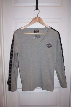 Women's Harley Davidson Long Sleeved V Neck Shirt - Size Medium - Gray - EUC! #HarleyDavidson #VNeck