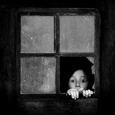 Los niños no tienen pasado ni futuro, por eso gozan del presente, cosa que rara vez nos ocurre a nosotros.    Jean de la Bruyere