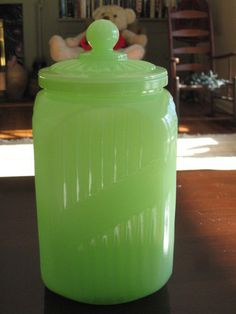Jadeite cannister