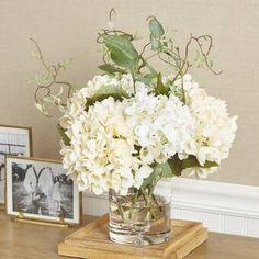 Hydrangea Floral Arrangement in Vase Hydrangea Vase, Peonies Centerpiece, Peonies And Hydrangeas, Hydrangea Not Blooming, Rose Centerpieces, Centerpiece Ideas, Dining Centerpiece, Greenery Centerpiece, Hortensien Arrangements