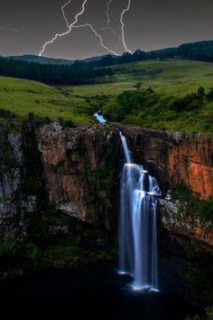 Waterfall and lightning, South Africa All Nature, Amazing Nature, Beautiful World, Beautiful Places, Cool Pictures, Cool Photos, Travel Pictures, Fuerza Natural, Beautiful Waterfalls