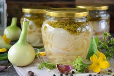 cebula marynowana z koprem Appetisers, Preserves, Appetizer Recipes, Onion, Mason Jars, Salads, Spaghetti, Food And Drink, Homemade