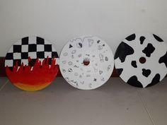 Cd Wall Art, Cd Art, Cd Crafts, Easy Diy Crafts, Vinyl Record Art, Vinyl Art, Simple Canvas Paintings, Sharpie Art, Grunge Room