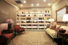 Traditional Living Room with Crown molding, High ceiling, Carpet, interior wallpaper, Built-in bookshelf, can lights