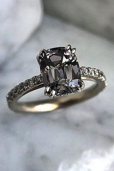 Diamond Wedding Rings - Ring trends change every year. Look at the gallery with the 60 TOP engagement ring photos. Only hottest engagement ring trends! Wedding Rings Solitaire, Wedding Rings Vintage, Bridal Rings, Wedding Jewelry, Solitaire Diamond, Black Wedding Rings, Grey Diamond Ring, Black Diamond Jewelry, Gold Jewelry