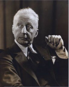 Jerome Kern 1885 – 1945 was an American composer of musical theatre and popular music. Great American Songbook, American Songs, Show Boat, A Fine Romance, Jazz, Richard Rodgers, String Quartet, Aretha Franklin, Popular Music