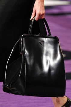 Prada, ladylike bag.  want. http://www.style.com/fashionshows/detail/slideshow/F2012RTW-PRADA?event=show2422&designer=design_house63&trend=&iphoto=15#slide=17