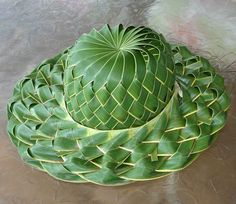 Here are the 9 coconut, palm, and paper leaf craft ideas. Leaf crafts need very fewer materials. You can enjoy craft making with lovely autumn fall leaves. Palm Frond Art, Palm Fronds, Diy Arts And Crafts, Crafts To Make, Crafts For Kids, Flax Weaving, Basket Weaving, Coconut Leaves, Leaf Crafts