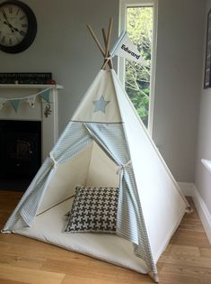 Play mat for child's teepee tent от MapleandSpudDesigns на Etsy Diy Tent, Teepee Tent, Teepees, Sewing For Kids, Diy For Kids, Kids Play Teepee, Kids Furniture, Kids Playing, Kids Room