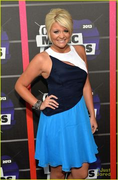 Lauren Alaina with her hair pulled back for the CMT Awards in June, 2013.