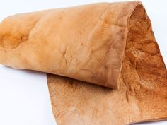 MuSkin leather, made of mushroom leather. Brilliant for vegan! It can be made for watch's strap, boo - chicchivy Sustainable Textiles, Sustainable Design, Sustainable Fashion, Sustainable Architecture, Stuffed Mushroom Caps, Stuffed Mushrooms, Textile Fabrics, Art Textile, Fashion Moda