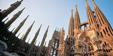 Book Barcelona Attractions Holidays. Plan Your Perfect Vacations with Barrhead Travel!