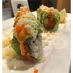 That is some super tasty lookin' sushi via @idream0fsushi #SUSHIMODE #sushi #sushitime #sushilovers #sushibar #sushilover #restaurantlife #japanesefood #foodaholic #foodstagram #foodporn #foodgasm #salmon #guiltypleasures #foodlover #instagood #foodie #yum #yummy #hungry #nomnom #sushis #gourmet #lunch #delish #grub #munchies #nomnom #repost