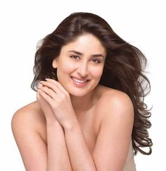 Kareena Kapoor's Beautiful Photoshoot for Vivel Shraddha Kapoor Saree, Kareena Kapoor Bikini, Kareena Kapoor Pics, Most Beautiful Indian Actress, The Most Beautiful Girl, Beautiful Actresses, Bollywood Actress Hot Photos, Bollywood Celebrities, Bollywood Heroine
