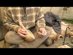 Making Gourd Containers Part 1 with Dave Canterbury of Pathfinder School {video} http://youtu.be/z9EKWTRhcFI