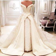 Wedding Party Dresses,Ball Gown Wedding Dresses,Wedding Dresses,Bridal Dresses,Lace Wedding Gowns,La Sposa,Puffy Satin Wedding Dresses with Appliqués,Vintage Lace Wedding Dresses,2017