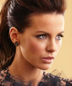 Kate Beckinsale ~ Check out for more: https://www.pinterest.com/neno3777/gorgeous-kate-beckinsale/ #Katebeckinsale
