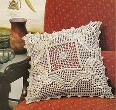 Crochet Cushions, Chrochet, Scrapbook, Throw Pillows, Bed, Macrame, House, Ideas, Crochet Doilies