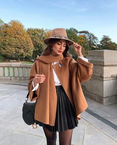 on ig November 12 2019 at fashion-inspo Fall Winter Outfits, Autumn Winter Fashion, Summer Outfits, Classy Outfits, Stylish Outfits, Mode Outfits, Fashion Outfits, Fashion Clothes, Fashion Ideas