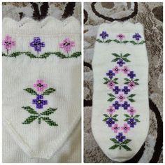 İşlemeli çorap Knitting Socks, Booty, Handmade, Knit Vest, Loafers & Slip Ons, Tricot, Knit Socks, Swag, Hand Made