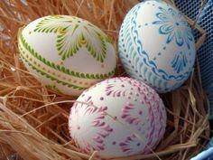 9d5c35 (570x428, 240Kb) Carved Eggs, Diy Ostern, Egg Art, Egg Decorating, Easter Crafts, Sketching, Easter Eggs, Diy And Crafts, Carving