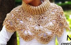 Turtleneck lace crochet capelet / poncho, wonder if i can make a shawl w/this pattern Knitted Poncho, Knitted Shawls, Crochet Scarves, Crochet Clothes, Chunky Crochet, Knit Or Crochet, Crochet Shawl, Russian Crochet, Caron Yarn