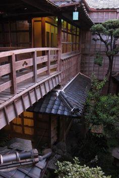 2階渡り廊下 : 「雰囲気あるな〜!」一度は泊まるべき全国の歴史ある人気旅館♪ - NAVER まとめ