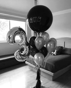 ⚫️⚪️⚫️❤️| #díseloconglobos #black #silver #teamo #globos #balloons #globosdenúmeros