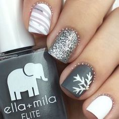 Frozen Snowflakes Christmas Nails ★ See more: http://glaminati.com/frozen-snowflakes-christmas-nails/