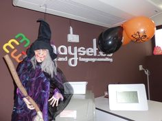 La bruja dice Welcome