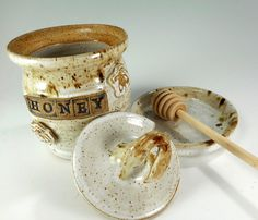 Ceramic honey dipper pot pottery honey jar by WillowTreePottery