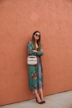 Free People Slim Green Floral Kimono on Mercari Dressy Casual Outfits, Classy Outfits, Chic Outfits, Fashion Outfits, Fashion Boots, Casual Chic, Womens Fashion, Look Kimono, Fall Kimono