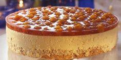 Iskake med multer - Dette er iskaken for de store anledningene. Fancy Desserts, Frozen Desserts, No Bake Desserts, Baking Recipes, Cake Recipes, Norwegian Food, Scandinavian Food, Pudding Desserts, Pastry Cake