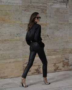 Sexy and classic.  Satin black blouse with skinny leather pants and white/black heels #nightout Skinny Leather Pants, Black Silk Blouse, Classic Looks, Timeless Fashion, Night Out, Classy, Street Style, Stylists, My Style