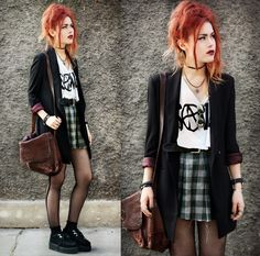 #romwe grunge punk rock style creepers platforms leather satchel red hair dark gothic make up checked shirt high waisted velvet jacket style blogger