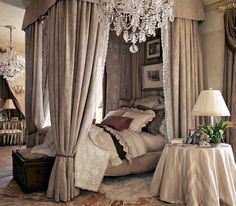oh my, now this bedroom, I love (and the chandelier, how i LOVE chandeliers!!)....imagining the magical possibilities in here...