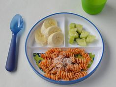 A three-sectioned plate with tomato and cheese pasta, banana chunks and cubed cucumber. Healthy Toddler Meals, Toddler Lunches, Kids Meals, Baby Food Recipes, Healthy Recipes, Baby Eating, Leftovers Recipes, Nutritious Meals, Food And Drink
